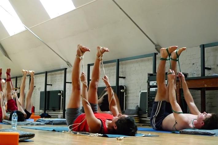 Le yoga et le shibari