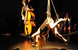 danse suspendue